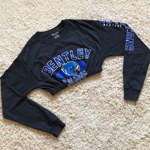 CHAMPION Bentley University long sleeve crop top